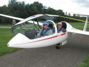 GGVVM - planeur DG1001s prêt à décoller
