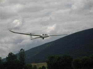 GGVVM - DG1001s en approche à Montricher